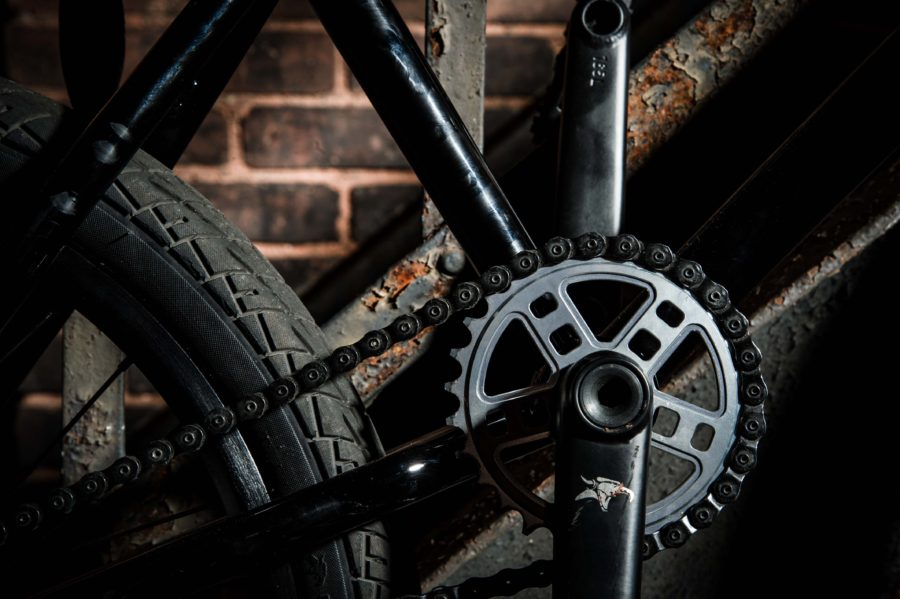 With an M5 sprocket and 165 Akimbo cranks, Jeff can have full confidence in his drivetrain.
